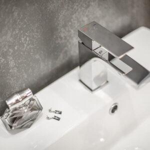 Kvadrato – bateria umywalkowa stojąca